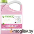 Ополаскиватель для белья Synergetic Биоразлагаемый. Аромамагия (2.75л)
